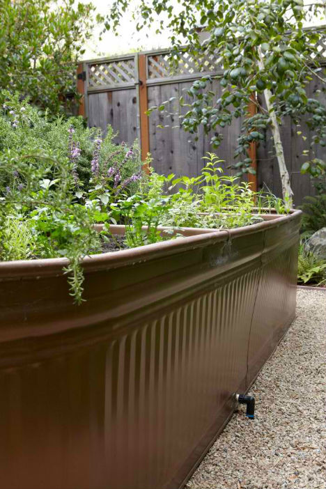 13 Creative Diy Solutions For Raised Garden Beds